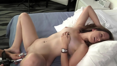 Hot 3D blonde babe gets fucked by a green alien